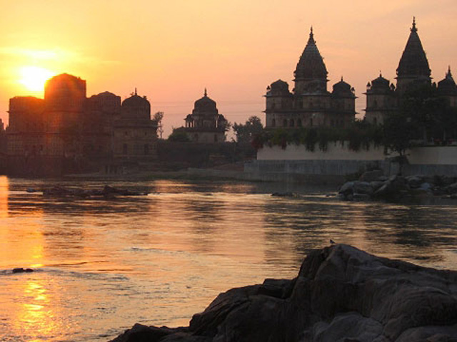 Betwa River Cenotaphs, Orchha